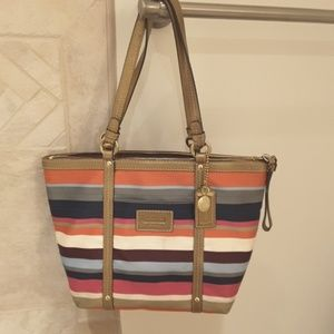 Authentic Coach shoulder bag like new